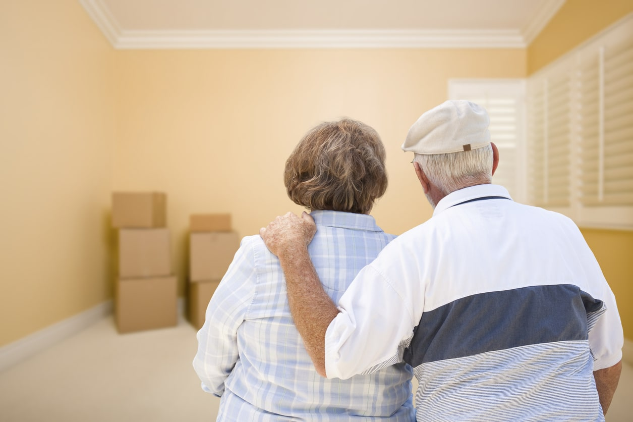 Senior-Couple-Moving-to-Assisted-Living